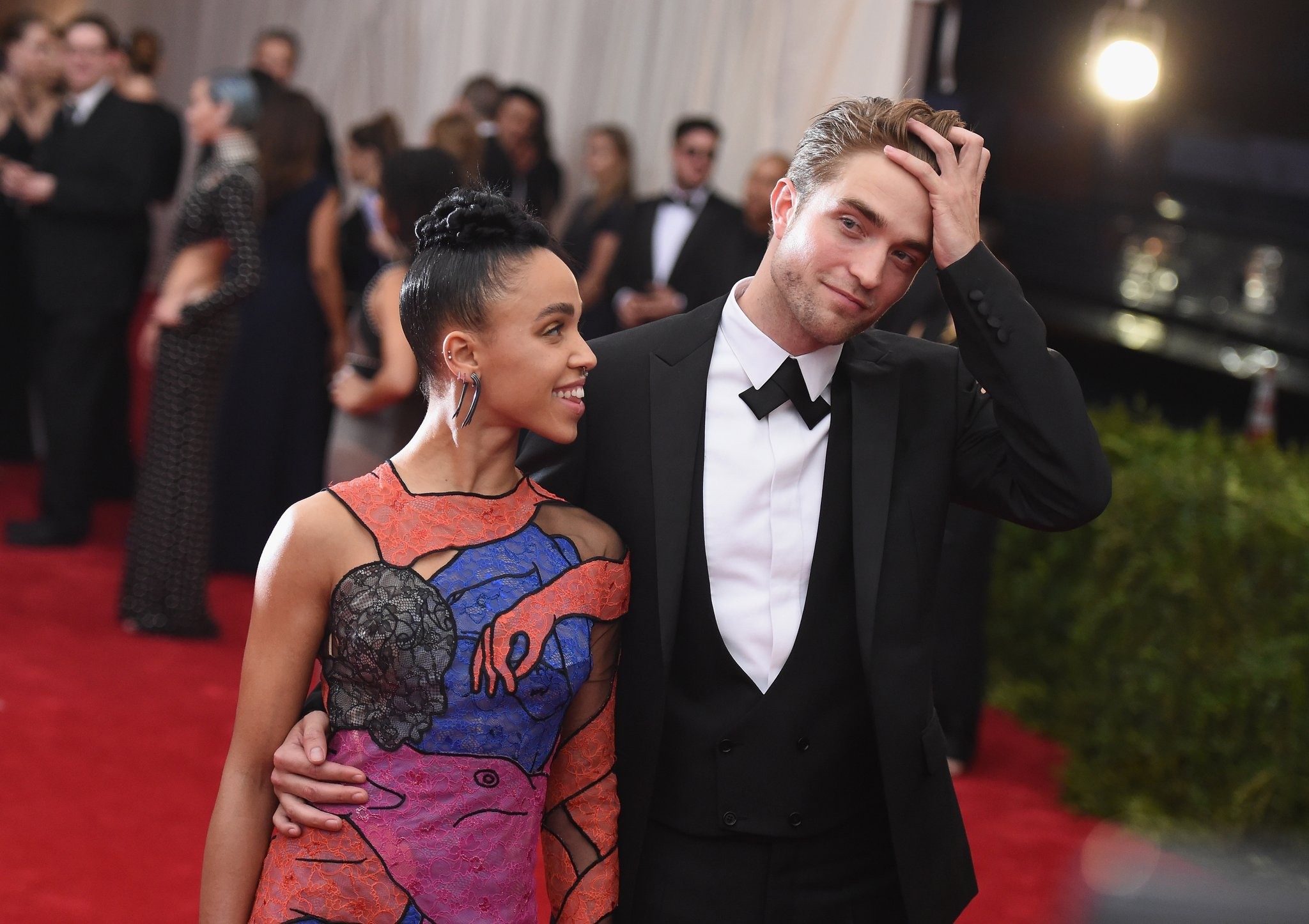 Photo of Robert Pattinson Putus Tunang Dengan FKA Twigs