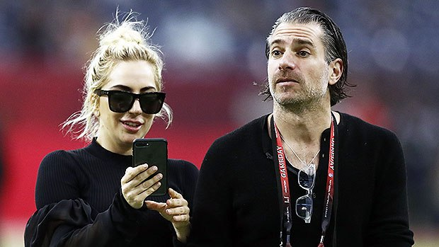 Photo of Lady Gaga Bertunang Dengan Christian Carino