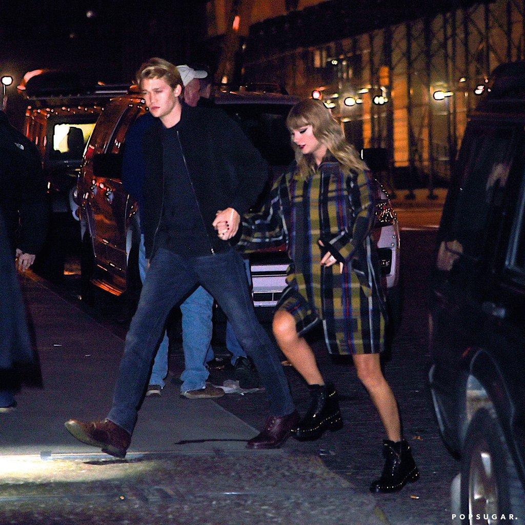 Photo of Taylor Swift Makin Terbuka Tunjuk Mesra Dengan BF