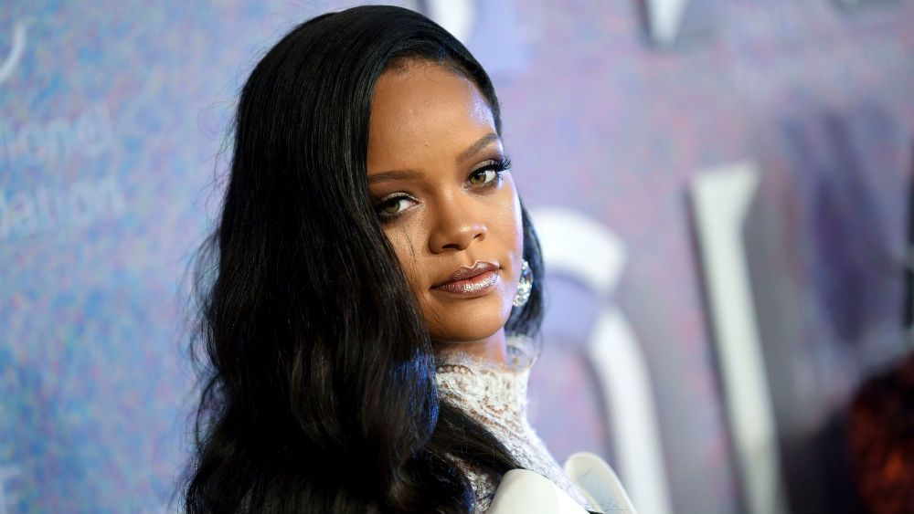 Photo of Rihanna Dikecam Hina Islam, Permainkan Hadis Di Pertunjukan Pakaian Dalam
