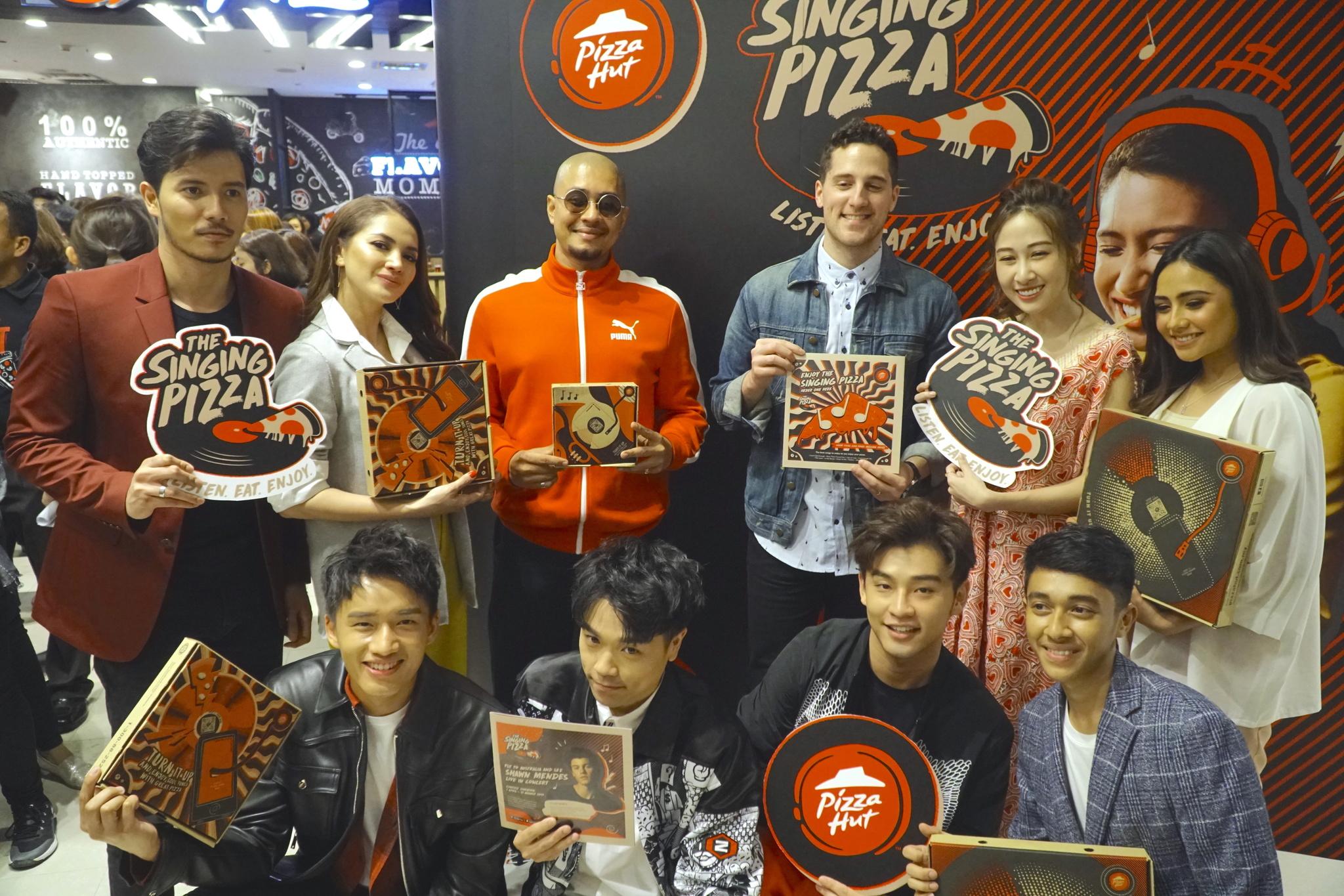 Photo of Pizza Hut Perkenal The Singing Pizza Pertama Di Malaysia