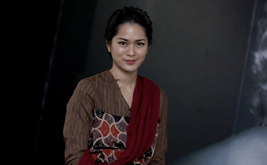 Photo of Akur Komitmen Kerja, Prisia Nasution Tangguh Hasrat Timang Anak