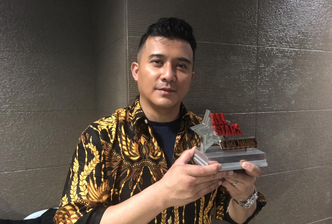 Photo of Tuah Watak Lelaki Lembut, Aaron Aziz Juara All Stars Buka Panggung