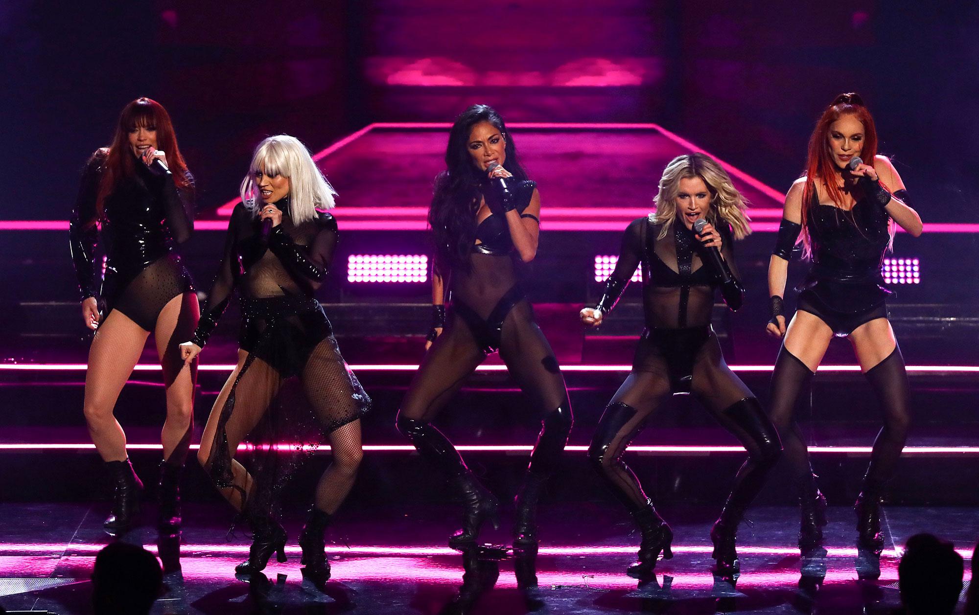 Photo of Persembahan Reunion Pussycat Dolls Dikritik Penonton X-Factor