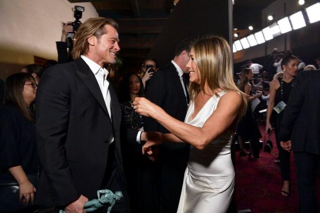 Photo of Jennifer Aniston & Brad Pitt Akhirnya Bertentang Mata Selepas 15 Tahun Bercerai