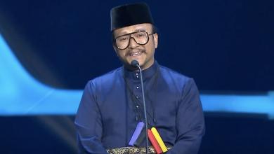 Photo of Gantung Vape Dileher Ketika Siaran Langsung ABPBH 33, Shaheizy Sam Ditegur Pengendali Facebook PHM